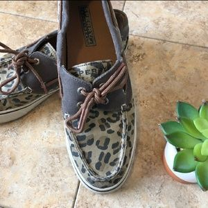 Sperry leopard print size 8